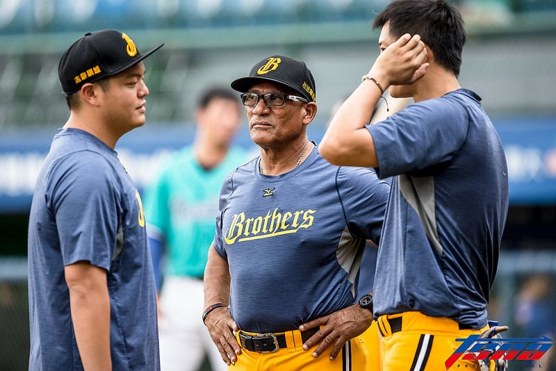 Former Chinatrust Brothers hitting coach Tommy Cruz will join Fubon Guardians as hitting coach in 2018