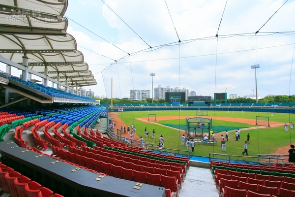 Major renovation at Xinzhuang stadium by Fubon Guardians