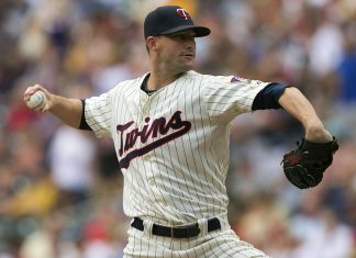 Uni-Lions sign former Twins Josh Roenicke for 2018 cpbl season